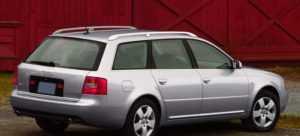 Автомобиль Ауди А6 С5 в кузове универсал после рестайлинга