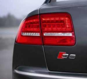 Задний фонарь Audi S8 D3