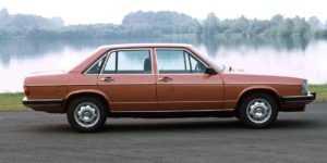 Седан Audi 100 C2 4 дв.