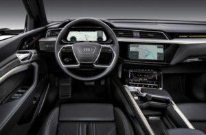 Салон Audi e-tron 2019