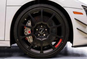 Модификация Audi R8 V10 Plus с пакетом Competition