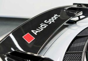 Модификация Ауди R8 V10 Plus с пакетом Competition