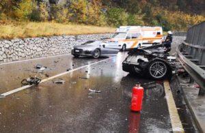 Ауди R8 разорвало пополам в аварии
