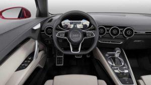 Концептуальный автомобиль Audi TT с 4 дверьми на автосалоне в Париже