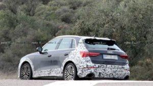 Audi RS Q3 заметили на дорогах