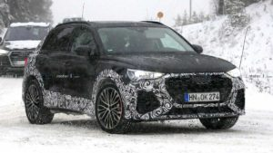 Кроссовер Audi RS Q3 2020